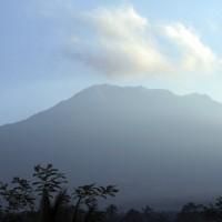 印尼峇里島火山蠢蠢欲動  將近1萬居民撤離