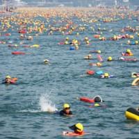 日月潭泳渡  近2萬人參與 36國外籍泳客共襄盛舉