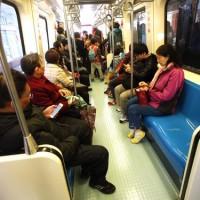 捷運車廂空調系統灰塵積達2公分?北捷:空調系統定期清潔