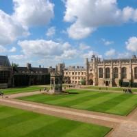 牛津、劍橋大學遭爆非法監視畢業校友薪資財富