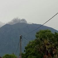 峇里島阿貢火山再噴火山灰 當局密切注意動向