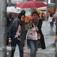 週末北台灣濕冷 下周二高溫30度