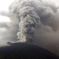 峇里島機場再度關閉24小時 撤離4萬居民