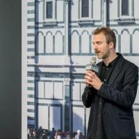 「自拍」的藝術義大利藝術家個展當代館揭幕