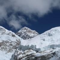 尼泊爾修法 禁止這些人登聖母峰