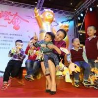 【原民風】2018台灣燈會小提燈「達力狗」 與主燈同台亮相