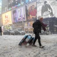 30年最大暴風雪襲紐約  全市進入緊急狀態