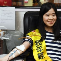 Hot-blooded Taiwanese girl calls for blood donation before Chinese New Year as supplies running low