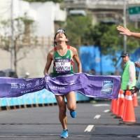 日本跑者川內優輝 萬金石馬拉松奪冠
