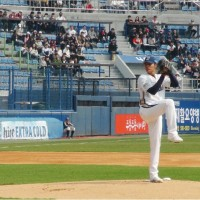 【台灣第一人】強投王維中 在南韓職棒開幕戰先發首勝