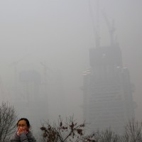 S. Koreans outraged overair pollution from China, government's lack of action