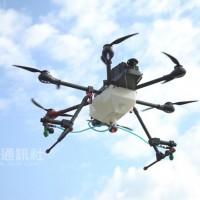 成大團隊自製台版農用無人機 精準定位助噴灑農藥