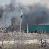 中國一帶一路各地受挫 吉爾吉斯人民怒燒中國劇毒工厰