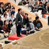 寶塚女市長力爭女權 抗議相撲界女性歧視