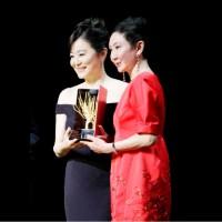 義大利「遠東電影節」林青霞獲終身成就獎 愛女驚喜現身