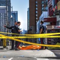 多倫多廂型車衝撞行人 至少10死15傷