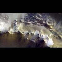 火星撞擊坑影像公布 美得懾人