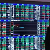 〈財經主筆室〉電信資費499之亂 對40萬股東是利空還是機會?