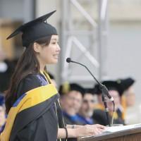 台灣葉采衢代表畢業生致辭   柏克萊創院首位台籍生