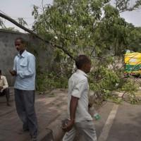 印度雷雨沙塵暴釀百死 印氣象局警告:還沒完!