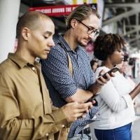 英研究:過度沉迷IG臉書可能讓人喪失自信