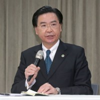 Taiwan's Foreign Minister meets students atNational Chengchi University