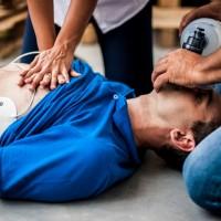 邊哼歌邊救人?洗腦歌「瑪卡蓮娜」有助正確施行CPR