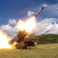 Taiwan President inspects missile launchesduringHan Kuangmilitary exercises