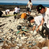 Air Force leads clean-up of beach in Penghu County, Taiwan