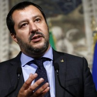 地中海難民無港可靠 義内政部長:去馬爾他!
