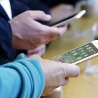 《貿易戰》 美媒:川普承諾不對中國製iPhone課稅