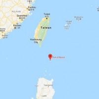 Taiwanese fishing boat saves 2 Filipinos adrift at sea
