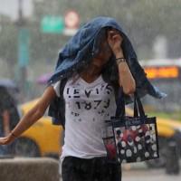 全台15縣市豪大雨特報 低窪嚴防淹水