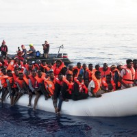 非法移民悲劇!哥倫比亞船隻翻覆12人死亡