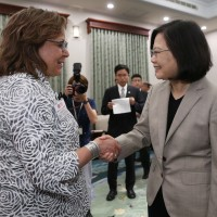 New Mexico and Taiwan sign driver's license agreement