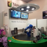 Taipei food show reveals world's first bubble milk tea shaker robot