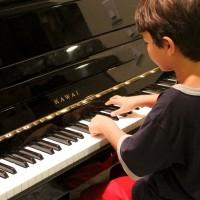 學鋼琴的孩子變「聰明」?科學研究指應該這麼說.....