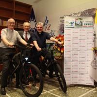 Taiwan donates e-bikes to Vatican