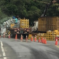 Taiwan Beer truck topples over, spills 20 crates of beer