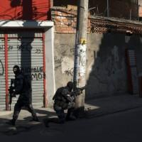 巴西里約治安持續惡化 爆發槍戰員警受傷