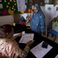 巴基斯坦投票所爆炸 已有25人死亡