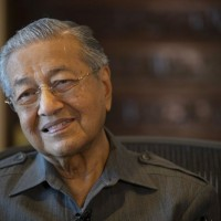 Malaysia's Mahathir to visit China, but wants to improve trade with Taiwan