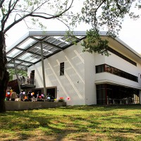 Taiwanese designers passing green building skills to young hands