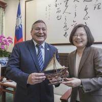 關島總督四度訪臺 蔡英文:盼持續經貿合作,造福產業人民