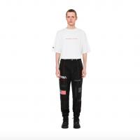 太空人地球漫步!美太空總署 NASA 聯名時尚品牌 Heron Preston 推出日常衣著