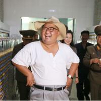 北韓太熱!金正恩穿這樣登場