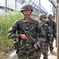 北韓一位士兵今早歸順南韓