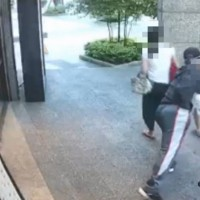 Video shows deranged man try to drag away 7-year-old girlin Taipei