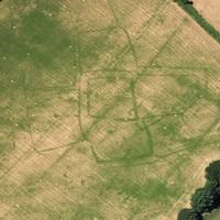 英國考古學家 從空中透視大地尋找古代遺址