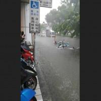 【快訊】溪水暴漲 台鐵新左營到台南雙線暫時停駛